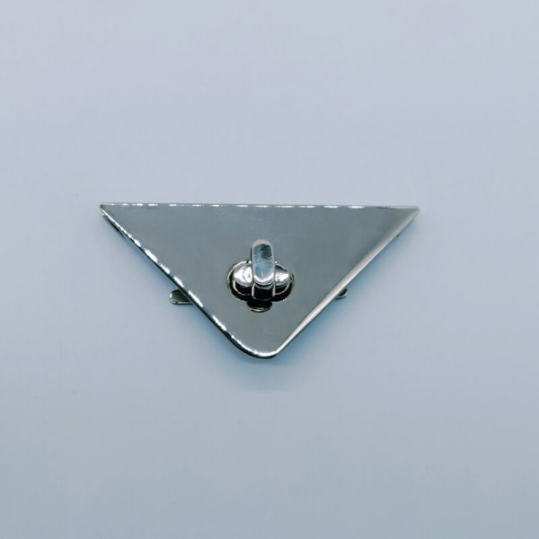 Κούμπωμα τρίγωνο ασημί